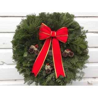 Fresh-cut Maine Traditional Christmas Wreath