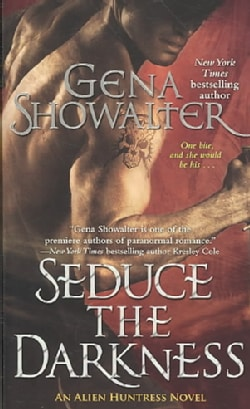 Seduce the Darkness (Paperback)