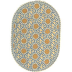 Safavieh Hand-hooked Majestic Ivory/ Blue Wool Rug (4'6 x 6'6 Oval)