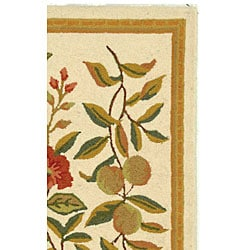 Safavieh Hand-hooked Garden Ivory Wool Runner (2'6 x 6')