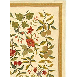 Hand-hooked Garden Ivory Wool Rug (5'3 x 8'3)