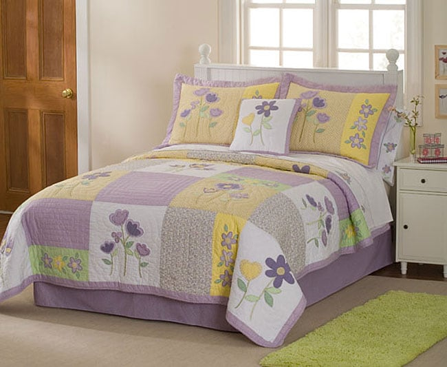 Patch of Flowers 3-piece Quilt Set