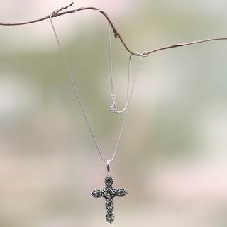 Silver 'Sacred Cross' Peridot Cross Necklace (Indonesia)