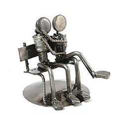 Iron 'Park Bench Sweethearts' Statuette (Mexico)