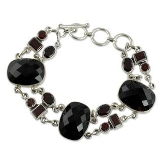 Sterling Silver Onyx/ Garnet 'Exotic Drama' Bracelet (India)