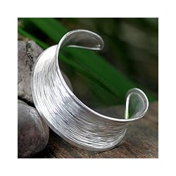 Sterling Silver 'Luminous Thai' Cuff Bracelet (Thailand)