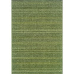 Laguna Green Indoor/ Outdoor Rug (7'3 x 10'6)