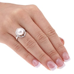 Miadora 14k Gold FW Pearl and 1/8ct TDW Diamond Ring (10 mm)