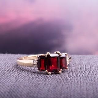 Miadora 10k Yellow Gold Garnet and Diamond 3-stone Ring