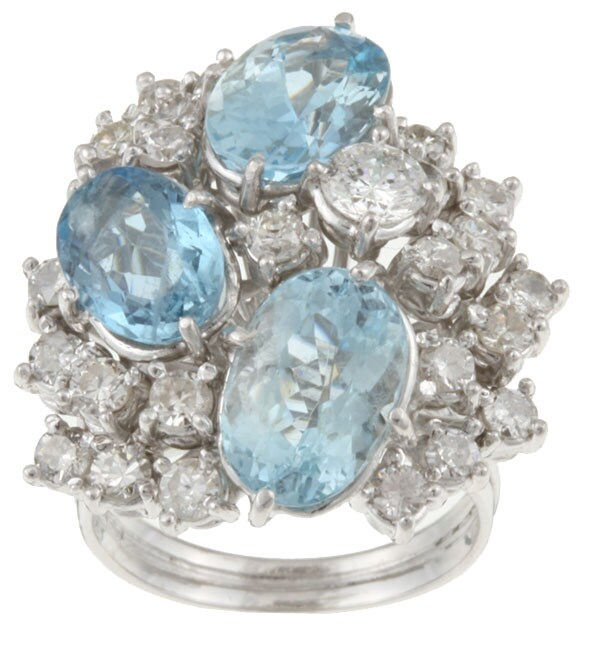 Pre-owned 18k Gold Blue Topaz/ 3ct TDW Diamond Estate Ring (H, SI1) (Size 6.5)