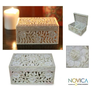 Soapstone 'White Roses' Jewelry Box (India)