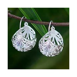 Sterling Silver 'Fern Basket' Hoop Earrings (Thailand)