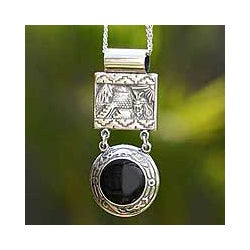 Sterling Silver Onyx 'Empire' Necklace (Peru)