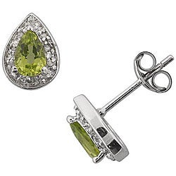 Sterling Silver Peridot and 1/10ct TDW Diamond Stud Earrings