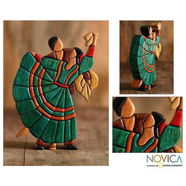 Cedar/ Mahogany 'Dance of Romance' Sculpture (Peru)