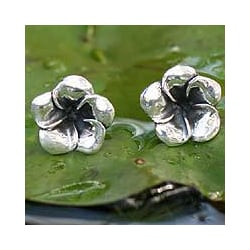 Sterling Silver 'Silver Allamanda' Flower Earrings (Indonesia)