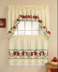 Red Delicious Apple 3-piece Curtain Tier/ Swag Set