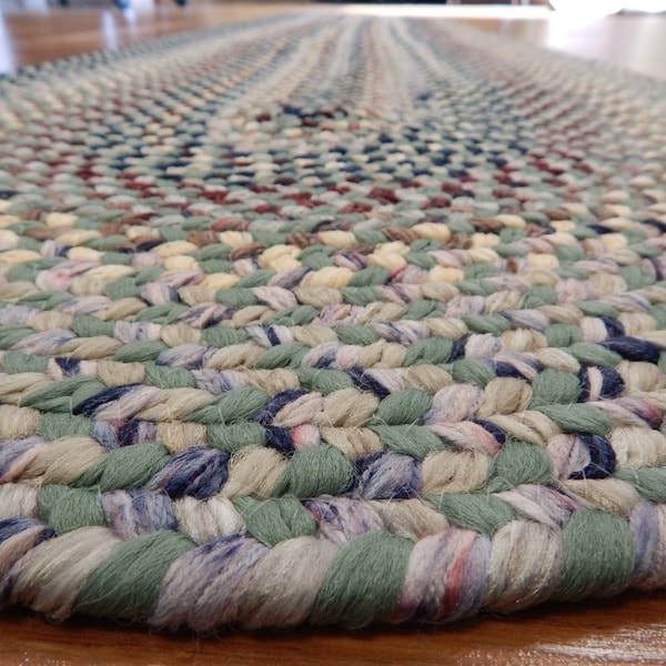 Beacon Hill Bay Leaf Indoor / Outdoor Braided Rug (2' x 6')