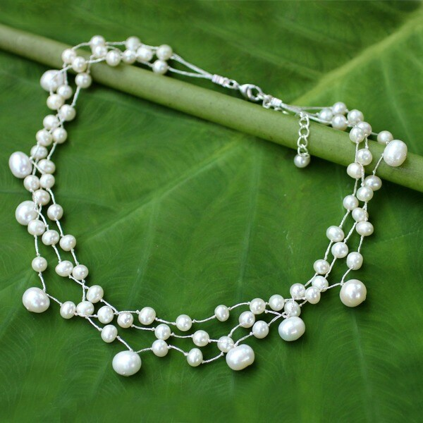 Handmade Stainless Steel Moonlight Glow Pearl Choker Necklace (Thailand)