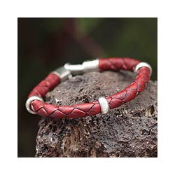 'Bold Red' Leather Bracelet (Peru)