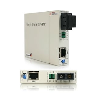 StarTech.com 10/100 Mbps Single Mode Fiber Media Converter - 30 km