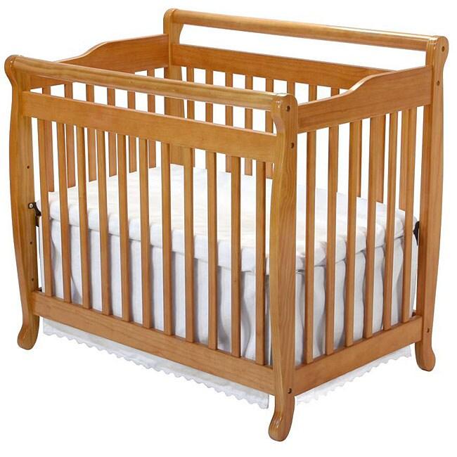 DaVinci Emily Mini Crib in Oak