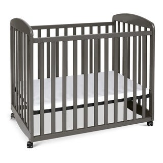 DaVinci Alpha Mini Rocking Crib in Cherry