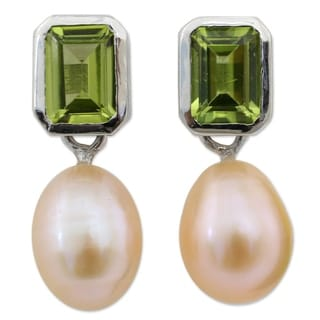 Pearl and Peridot 'Attraction' Dangle Earrings (Thailand)