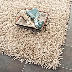 Hand-woven Bliss Taupe Shag Rug (4' x 6')
