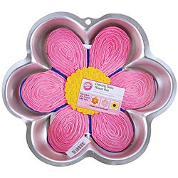 Wilton 'Dancing Daisy' Novelty Cake Pan