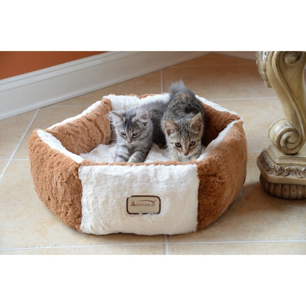 "Armarkat Plush Round Pet Bed 20"" x 20"""