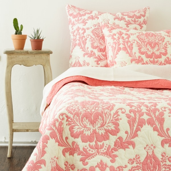 Shop Damask Coral Twin Size  Piece Quilt Set Free Shipping Today Overstock Com