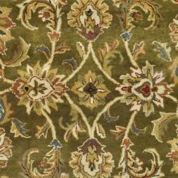 Safavieh Handmade Classic Olive/ Beige Wool Rug (4' x 6')