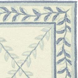 Safavieh Hand-hooked Trellis Ivory/ Blue Polypropylene Rug (4' x 6')