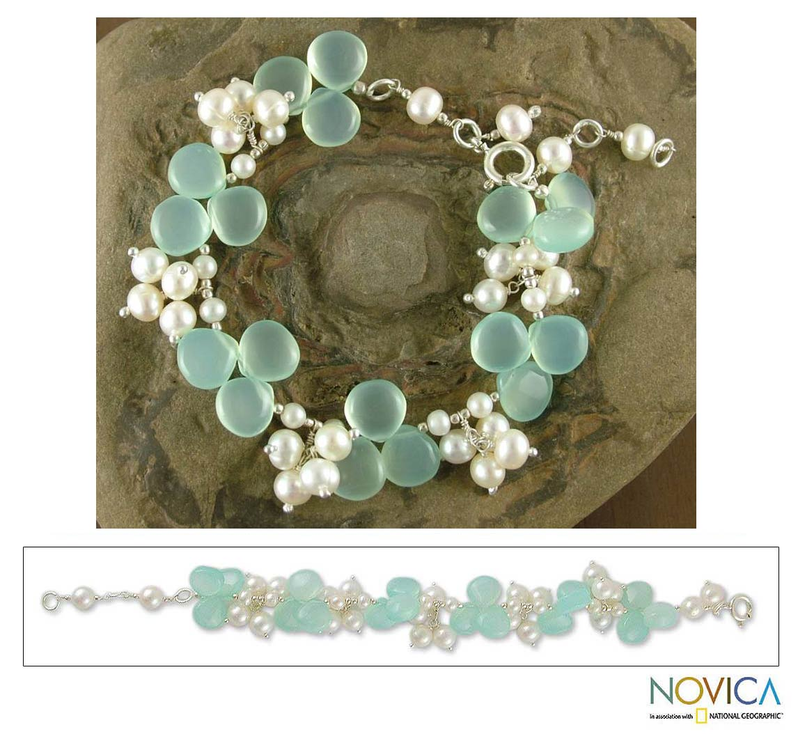 Silver 'Island Paradise' Pearl and Chalcedony Bracelet (India)