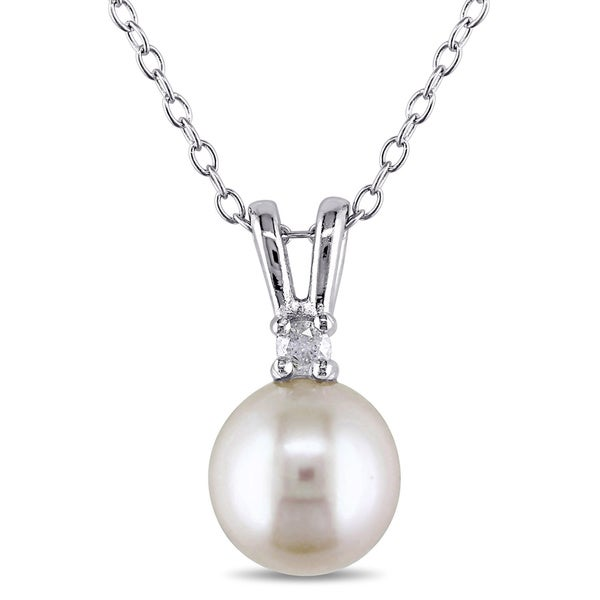 M by Miadora Sterling Silver Freshwater Pearl and Diamond Necklace (8-8.5 mm)