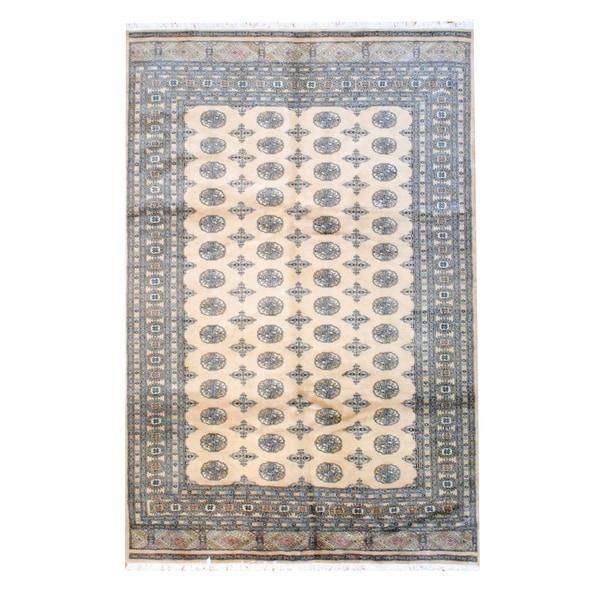 Pakistani Bokhara Hand-knotted Beige/ Black Wool Rug (6' x 9')