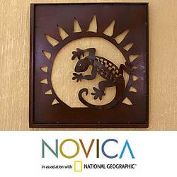 Handcrafted Iron 'Gecko In The Window' Wall Adornment (Mexico)