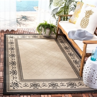Safavieh Indoor/ Outdoor Royal Sand/ Black Rug (6'7 x 9'6)