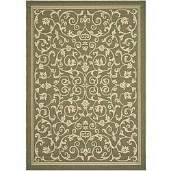 Indoor/ Outdoor Resorts Olive/ Natural Rug (6'7 x 9'6)