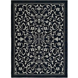 Indoor/ Outdoor Resorts Black/ Sand Rug (6'7 x 9'6)