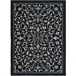Safavieh Indoor/ Outdoor Resorts Black/ Sand Rug (7'10 x 11')