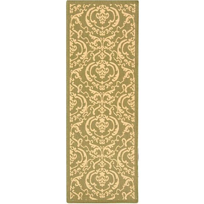 Safavieh Indoor/ Outdoor Bimini Olive/ Natural Runner (2'4 x 6'7)