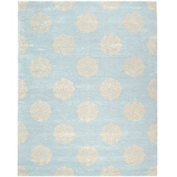 Handmade Soho Medallion Light Blue N. Z. Wool Rug (7'6 x 9'6)