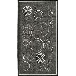 Safavieh Indoor/ Outdoor Ocean Black/ Sand Rug (4' x 5'7)