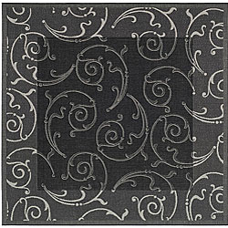 Safavieh Indoor/ Outdoor Oasis Black/ Sand Rug (7'10 Square)