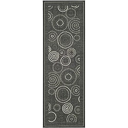 Indoor/ Outdoor Ocean Black/ Sand Runner (2'4 x 6'7)