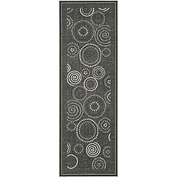 Safavieh Indoor/ Outdoor Ocean Black/ Sand Runner (2'4 x 6'7)