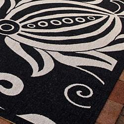 Indoor/ Outdoor Andros Black/ Sand Rug (6'7 Square)