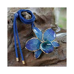 Gold-accented 'Elegant Blue' Natural Orchid Long Necklace (Thailand)